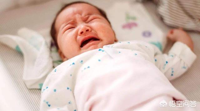 """為什麼說寶寶""""一月睡二月哭三月攢肚"""",有什麼科學依據嗎?"""