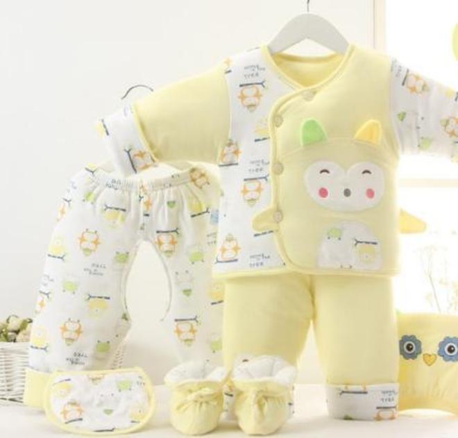 """超萌""""拜年服"""",新手媽媽過年要買的幾件衣服,寶寶穿上真可愛"""
