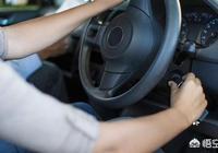 開車行駛中,剎車失靈,可以把汽車熄火嗎?