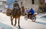 """河北一村莊被聯合國稱為""""世界一大奇蹟"""",機動車讓毛驢優先通行"""