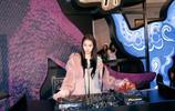 關曉彤出席上海品牌活動,裝扮可愛 五官精緻溫婉 氣質出眾