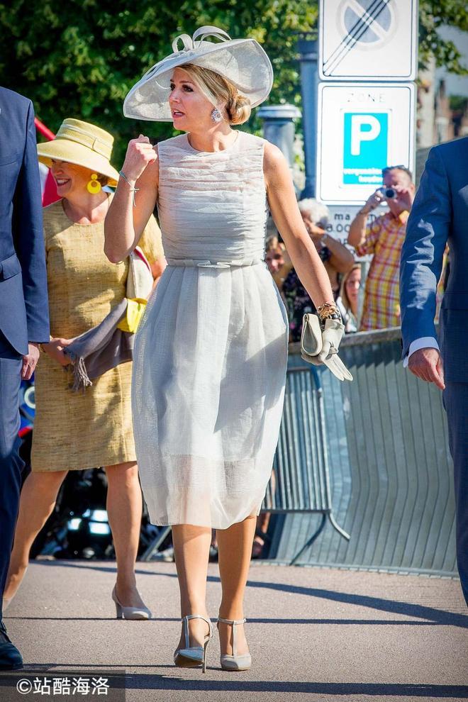 各國王妃白色仙裙PK 戴妃最美凱特溫婉迷人 有人卻暴露身材缺陷!