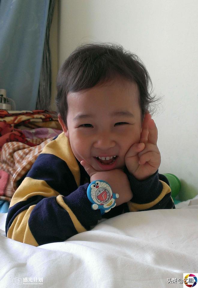 他剛出生被拋棄在雪地,十年後成陽光男孩,一個愛心媽媽心酸經歷