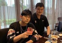 姚明周杰倫北京聚餐!好久不見周董養生喝西瓜汁 姚明喝紅酒臉通紅