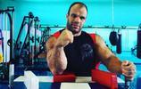 俄羅斯最強壯的男人,有一雙力大無窮的如來神掌