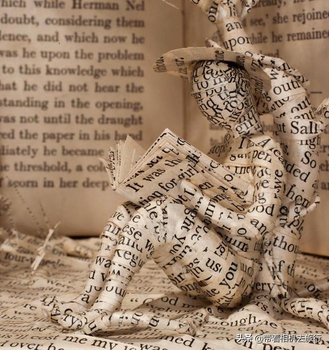 剪紙新玩法,這些精美紙雕都是用舊書做出來的