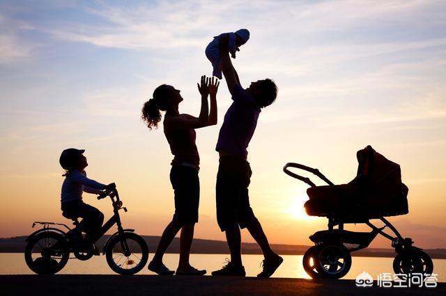 你會為了十萬月薪放棄陪伴自己的孩子成長嗎?還是選擇低薪讓孩子有一個快樂的童年?