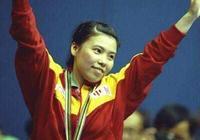 中國乒乓球有許多優秀的運動員,其中令對手聞風喪膽的鄧亞萍、和張怡寧到底誰更厲害?