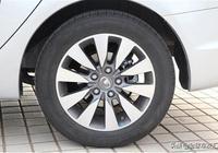 保養汽車,卻發現輪胎字母變了,老司機:差點被坑,要不然虧大了