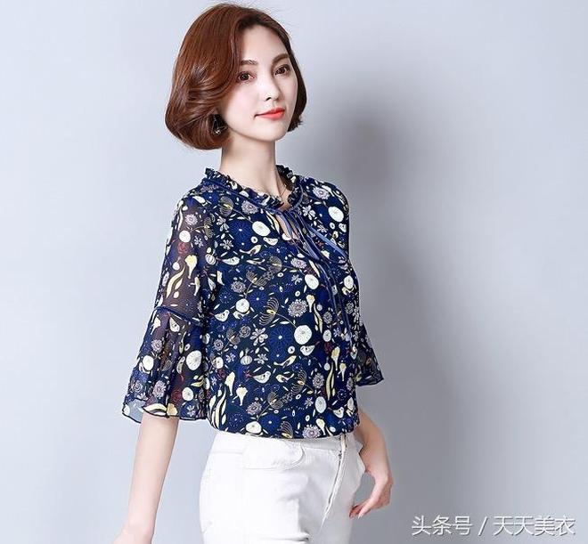 精緻唯美的雪紡小衫,優雅透氣自帶清涼效果,夏季就要一襲奪目!