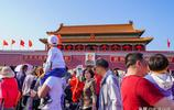 擠不動了!五一北京旅遊太火爆,長城變人城,天安門鳥巢人頭攢動