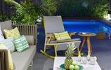 庭院案例:有可伸縮防雨遮陽棚和籬笆圍牆的私家花園