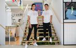 武磊與妻子、球員趙麗娜現身巴黎,他們為中國女足加油助威