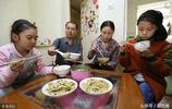 陝西9歲女孩患白血病,36天不吃東西,爸爸要賣老家的房子救她