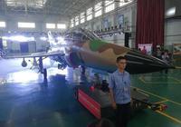 中國最新出口型戰機今天勝利下線!它將雄霸世界這一獨特軍工市場
