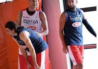 貝里內利晒自己和加里納利在國家隊合練的照片