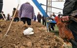 開封農村一個基督徒的葬禮之五:一隻紅公雞,牧師致悼詞