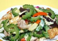 苦瓜不苦的吃法,營養一點不流失,豆香菜香鹹香下飯,一盤不夠吃