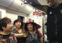 誰說球星來中國都是前呼後擁?韋德索要飲料被拒絕,霍華德坐地鐵