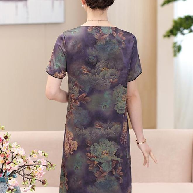 媽媽穿了一件就愛不釋手的高檔香雲紗裙,適合45-65歲女人穿