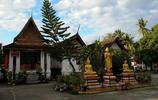 自駕旅遊 老撾琅勃拉邦邁佛寺旅行遊記 有裝飾華麗的鎏金浮雕牆