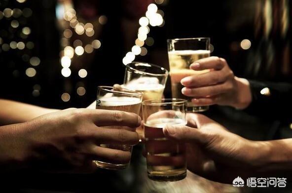 有些人到了中年後就變得越來越喜歡喝酒了,為什麼?