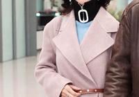 趙雅芝把大衣穿出新高度!無論拼接和印花,64歲竟比小姑娘還時髦