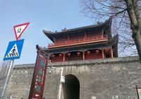 歷史上被譽為宰相之傑的張居正是江陵人,他的故居就在荊州古城