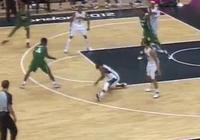 籃球賽中晃倒、翻滾我見過,但是晃的骨折我還真沒見過