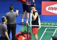 """""""超級丹""""林丹,在新加坡打了14分鐘就退賽,現場噓聲震天!"""