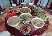 四代同堂過端午,婆婆下廚做了12碗菜,有葷有素,大家都吃嗨了