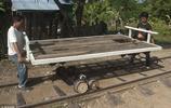 實拍柬埔寨竹火車:全世界獨一無二,時速50公里,體驗一次5美元
