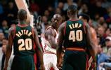喬丹佩頓96年總決賽巔峰對決,看喬丹是如何教育佩頓的!