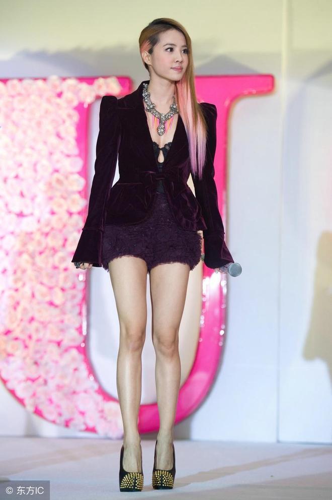 處女座,156cm身高84斤,蔡依林短裙高跟鞋,恨天高穿出2米視覺腿