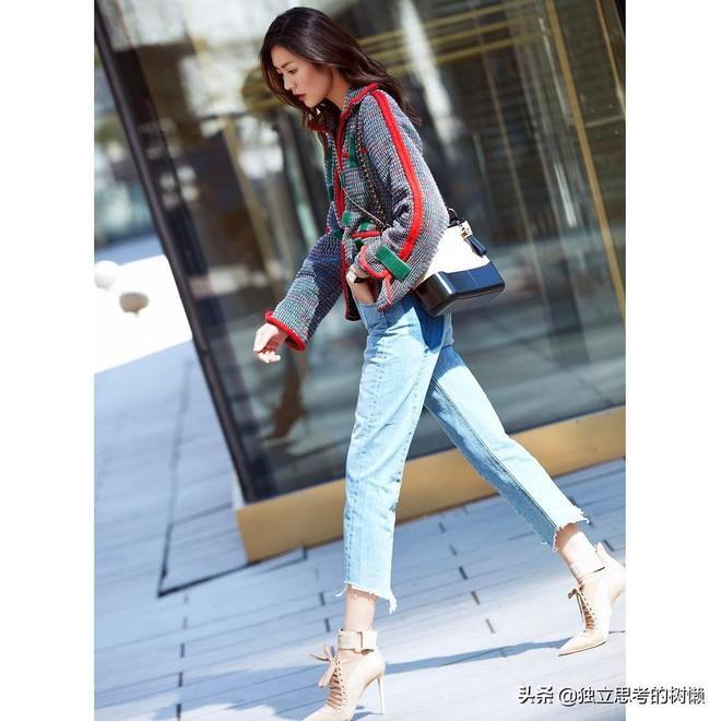 春天來了 和表姐劉雯一樣穿的美美的出去玩耍吧