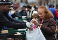 """如何讓""""窮人""""數量看起來更少?特朗普政府想出了這招..."""