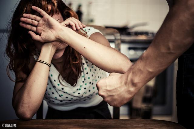 我爸打我媽 | 故事