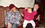 廣西120歲老人身體健康走路不拄柺杖,長壽祕訣很有意思