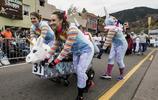 美國科羅拉多州舉行趣味棺材賽跑活動