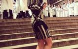 莎拉波娃比明星還會穿!一襲格紋風衣穿出高級氣質,網友:快出道