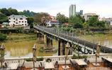 雲南邊境河口口岸一角,兩座橋把兩個國家連接在了一起