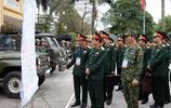 實拍美國總統到訪時的越南軍人:守衛河內的中堅力量,裝備很齊全