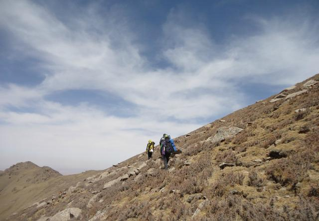 穿越賀蘭山