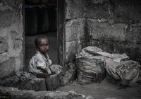老漢家生一個孩子死一個 乞丐路過說出了祕密 才挽救他孩子的性命