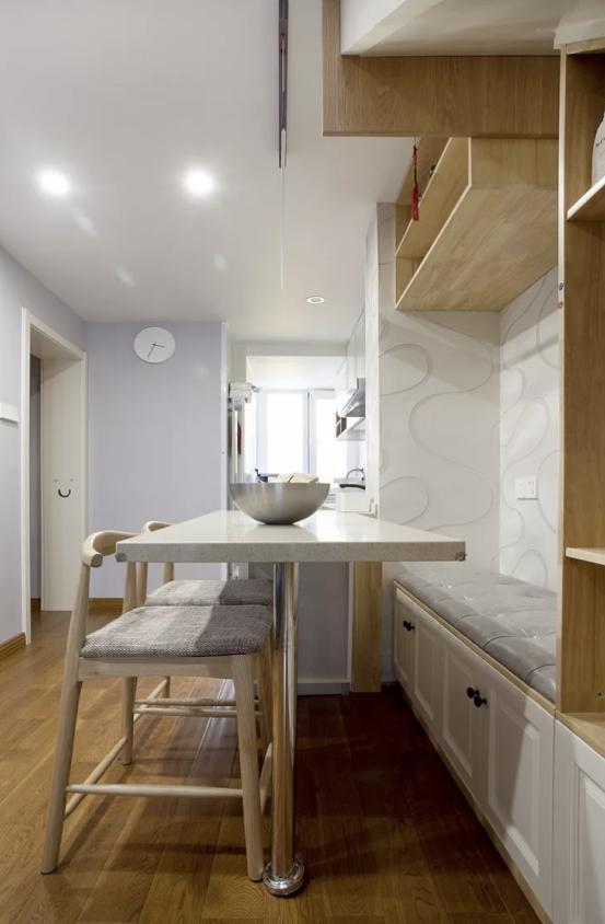 """家中有樓梯,裝修時萬萬別浪費,學他家這麼裝,瞬間""""多間房""""!"""
