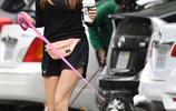 伊麗莎白·奧爾森現身街頭,素顏皮膚很好,看不出她竟30歲了?