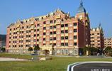貴州一高校斥資8.5億打造歐式豪華校園 酷似童話城堡