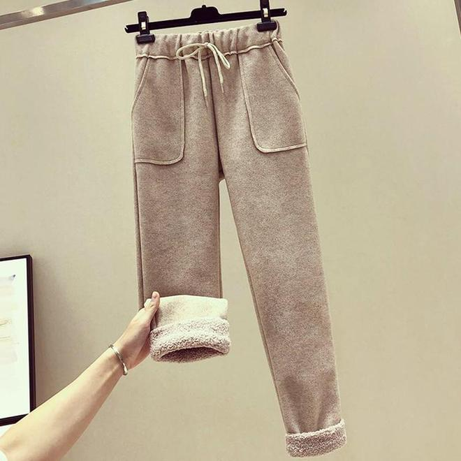 小個子別穿長款羽絨,更顯矮!短棉服+毛呢哈倫褲,顯高又顯腿長