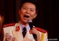 他是國家一級演員,曾9次上春晚,娶鋼琴老師恩愛11年零緋聞