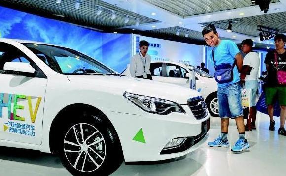 新能源汽車補貼下降,新能源汽車將要漲價?綠牌車應該怎麼買?